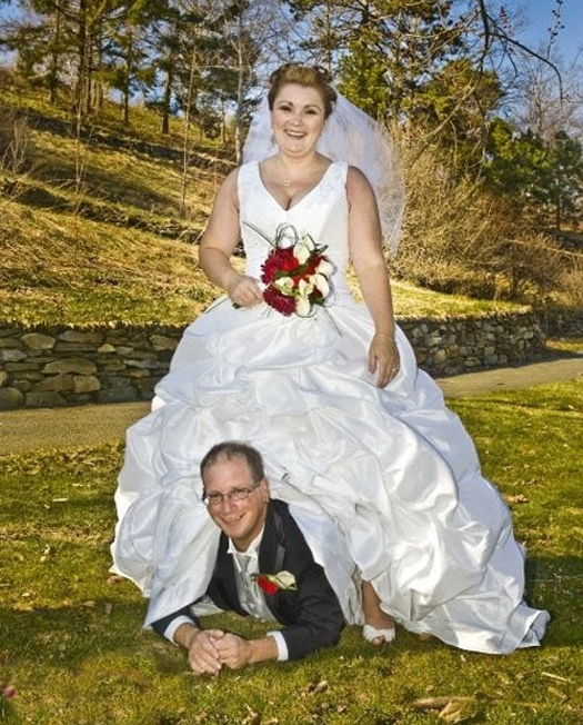Bad Wedding Dresses: Here Comes The Crazy! 14 More Funny Wedding Pictures