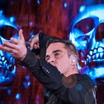 XL Video RobbieWilliams SJN_7926a