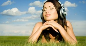 woman cloud music
