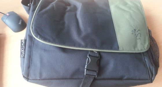 Pakuma Choroka Messenger bag