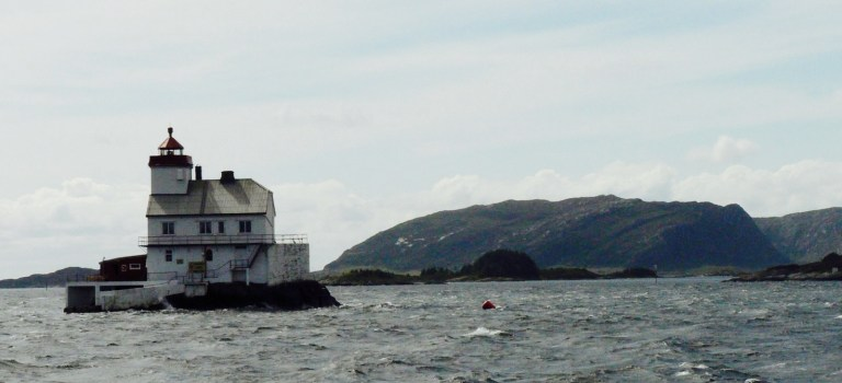 Possibility of splitting Voyage between Amsterdam and Oban