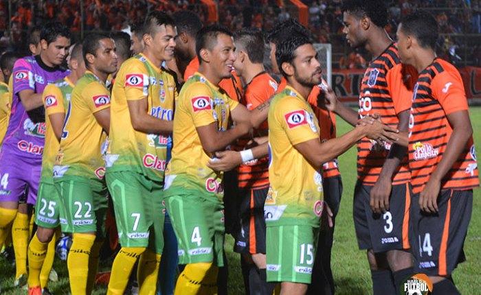 Águila vs Santa Tecla / jornada 8 Apertura 2015
