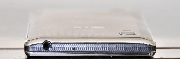 LG Optimus L9 - arriba
