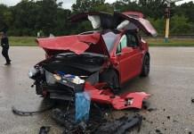 Tesla Model X ile Yaptığı Ölümcül Kazadan Sağ Çıktı