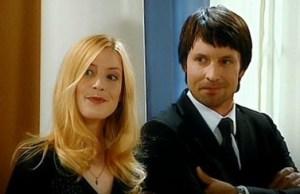 """""""Julia - La strada per la felicità"""": riassunto puntate dal 24 al 27 Maggio - Marie vuole dire """"addio"""" a Falkental, ma Daniel le dichiara il suo amore; Julia torna a lavorare per la Falkental Porcellane"""