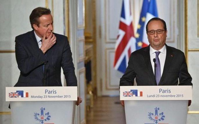 David Cameron (left) and Francois Hollande