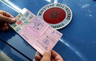 patente e libretto di circolazione coincidere