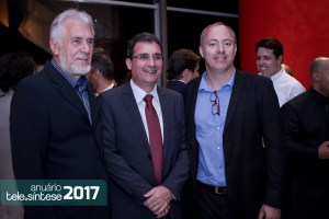096-telesintese-anuario-2017-momento-editorial-photo-robson-regato