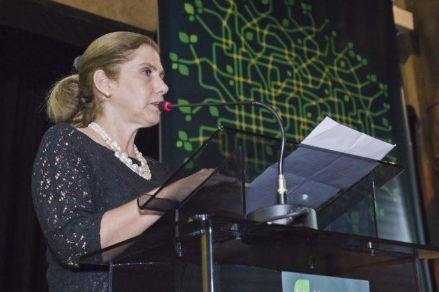 Margarida Baptista, rep. prof. Luciano Coutinho, presidenete do BNDES