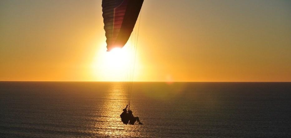 paragliding-918721_960_720