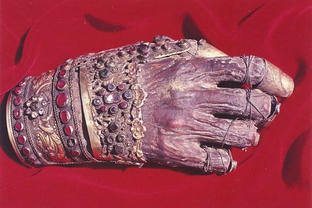 mana dreapta a Sfantului Patriarh Ioan Gura de Aur