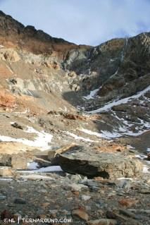High walls, big boulders