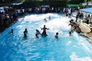 Whole Lotta Fun At Summer Looks Pool Party - TexasNepal