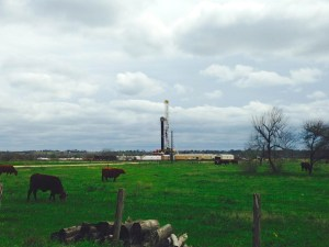 2014-03-16 Eagle Ford Shale - Fracking Rig