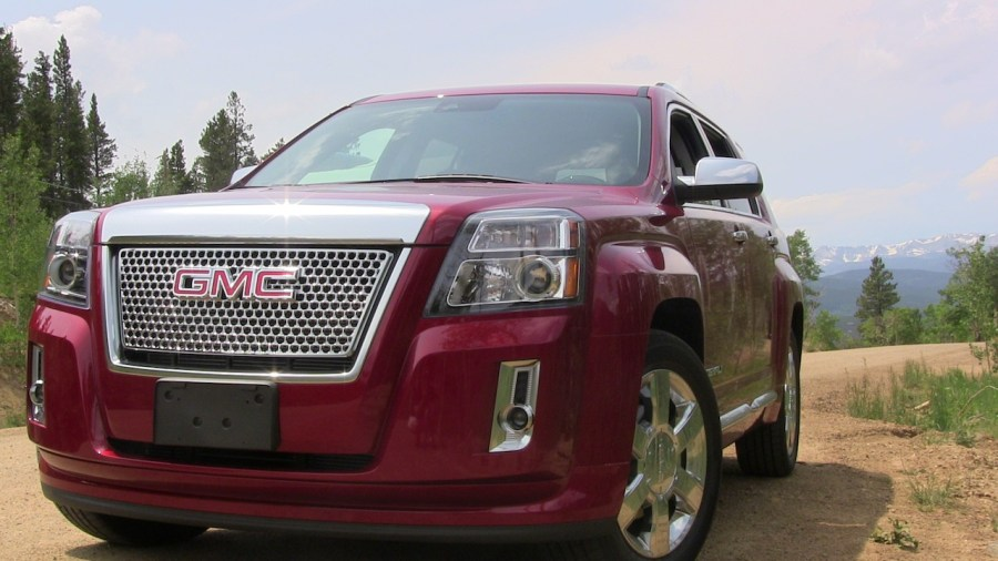 Review  2013 GMC Terrain Denali   Some of Old and Some of New   The     2013 GMC Terrain Denali AWD V6