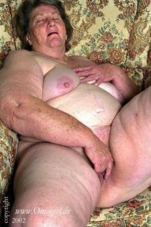 oma naked women