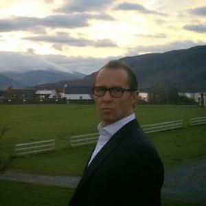 Professor Matt Qvortrup (UK)