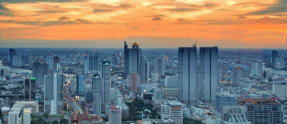 Take a deep breathe : Bangkok air is good for your health !