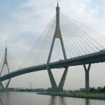 Cop crashes bike on banned bridge, girlfriend dies