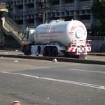 Sattahip: Van Driver Flees From LPG Gas Tank Explosion