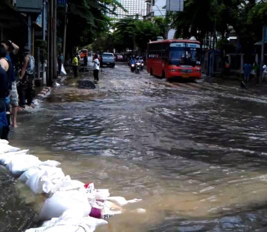 Bangkok streets flooded
