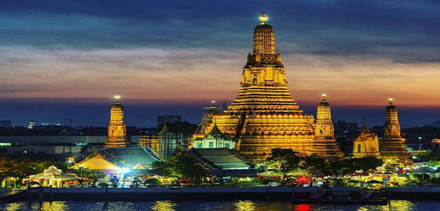 Wat-Arun-The-Temple-of-Dawn