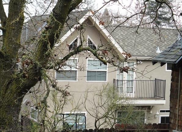 منزل مارك زوكيربيرج، ثقف نفسك 10