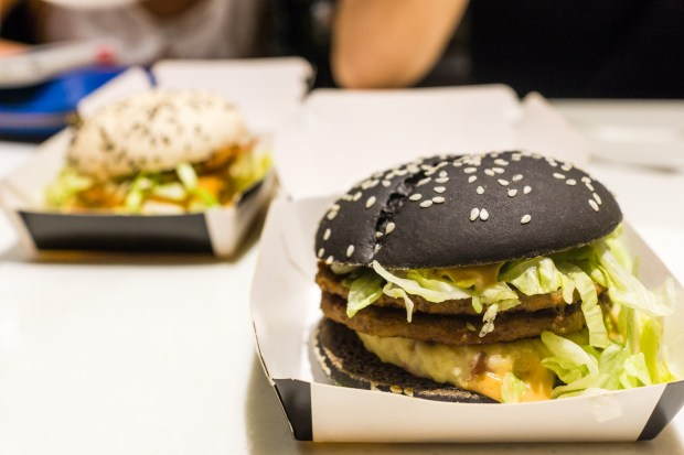 that food cray mcdonalds black white burger 8 McDonalds Cray !!! Black & White Burger