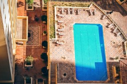 The various factors that you should consider before building a swimming pool (1)