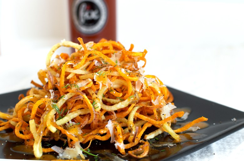 Doesn't this just look like heaven on a plate?! The spiralizer helps make the easiest, crispiest shoestring fries!