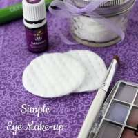 Simple DIY Eye Make-up Remover Pads