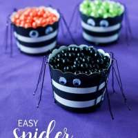 Spider Treat Cups | Quick Crafts
