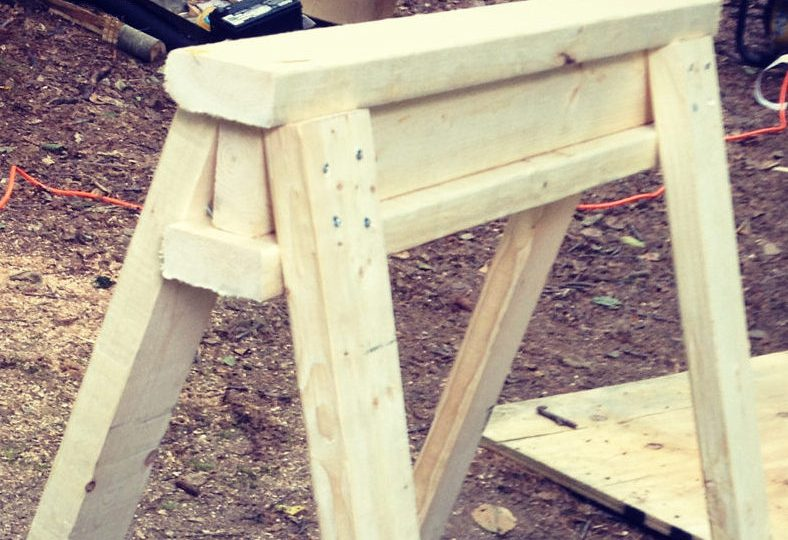 How to Build Solid, Simple Sawhorses in Under an Hour
