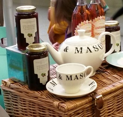 tea-tasting_fortnum-and-mason_saint-pancras-international_1