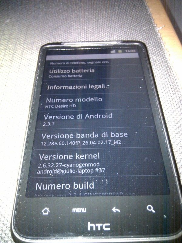 HTC Desire HD Android 2.3 Gingerbread port [Cynogenmod]