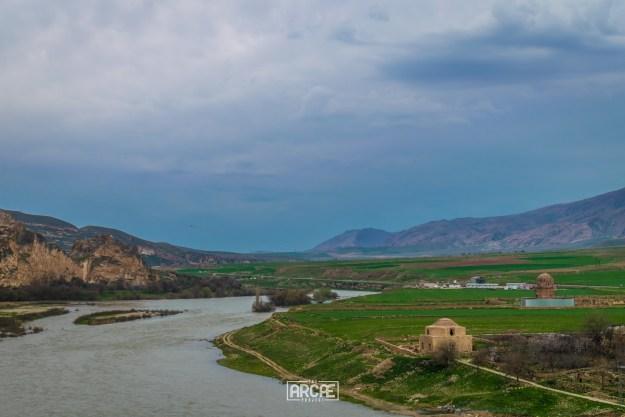 An abandoned Hamami next to the Tigris