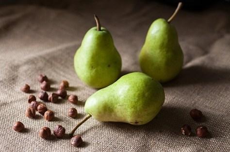 Pears Hazelnuts