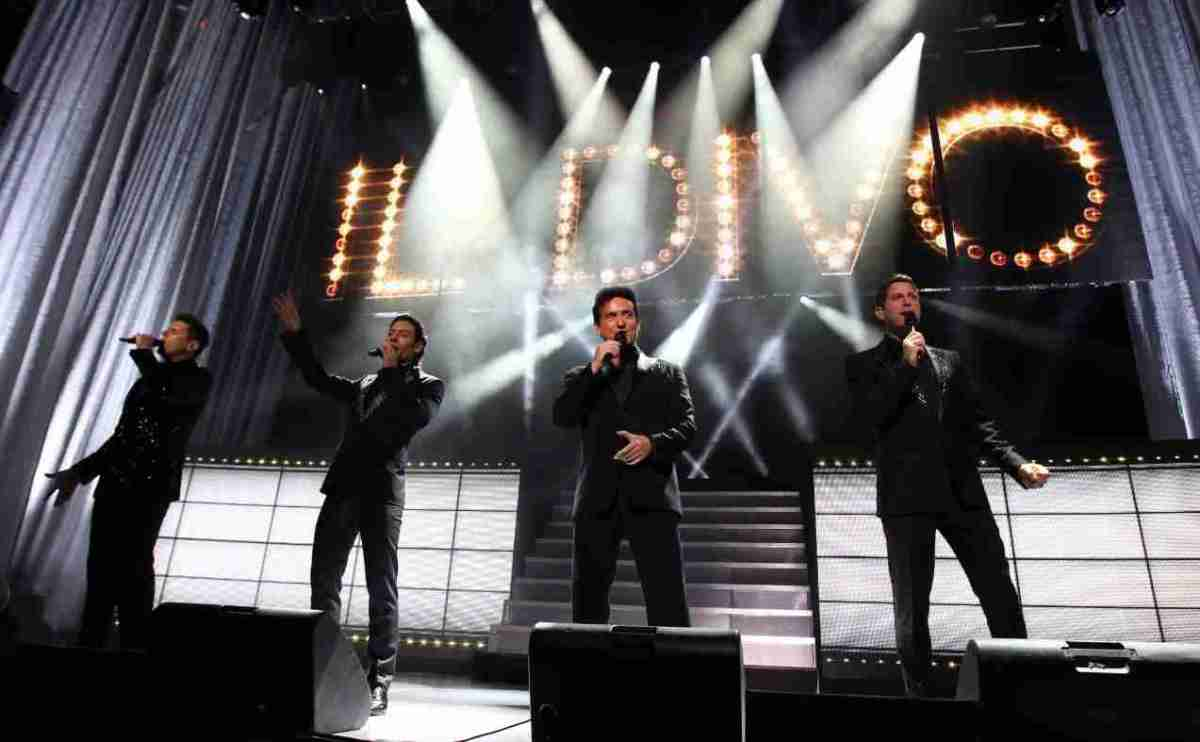 The arts shelf il divo live in japan deluxe dvd cd set to be released on 1st december from - Divo music group ...