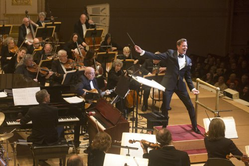 Maestro Steven Reineke and The New York Pops (Photo credit: Richard Termine)