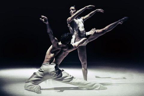 "Jorge Nozal and Chloe Albaret in a scene from Netherlands Dans Theater's ""Stop-Motion"" (Photo credit: Rahi Rezvani)"