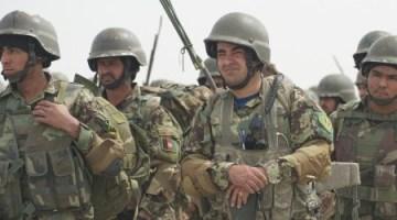 Afghan security forces train together