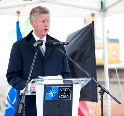 Pieter De Crem lors de l'inauguration des travaux du nouveau siège de l'Otan, le 16 déc 2010.