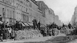 Paris 1871 : barricade rue Lafayette et Faubourg Saint -Martin.