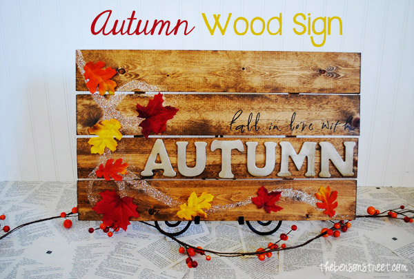 Autumn Wood Pallet Sign at www.thebensonstreet.com