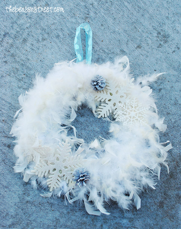 Snow Inspired Wreath at thebensonstreet.com