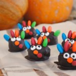 Fun to make Thanksgiving Turkey OREO Cookie Balls with recipe at thebensonstreet.com