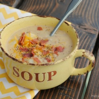 Love Soup Try out this Bacon Cheeseburger Chowder at thebensonstreet.com