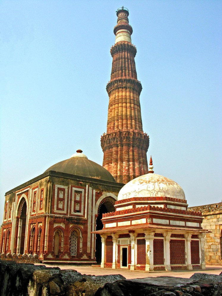Alai_Gate_and_Qutub_Minar (1)