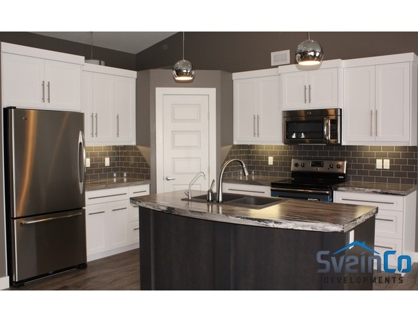 Kitchen 3 the bevelled edge regina the bevelled edge for Kitchen cabinets regina