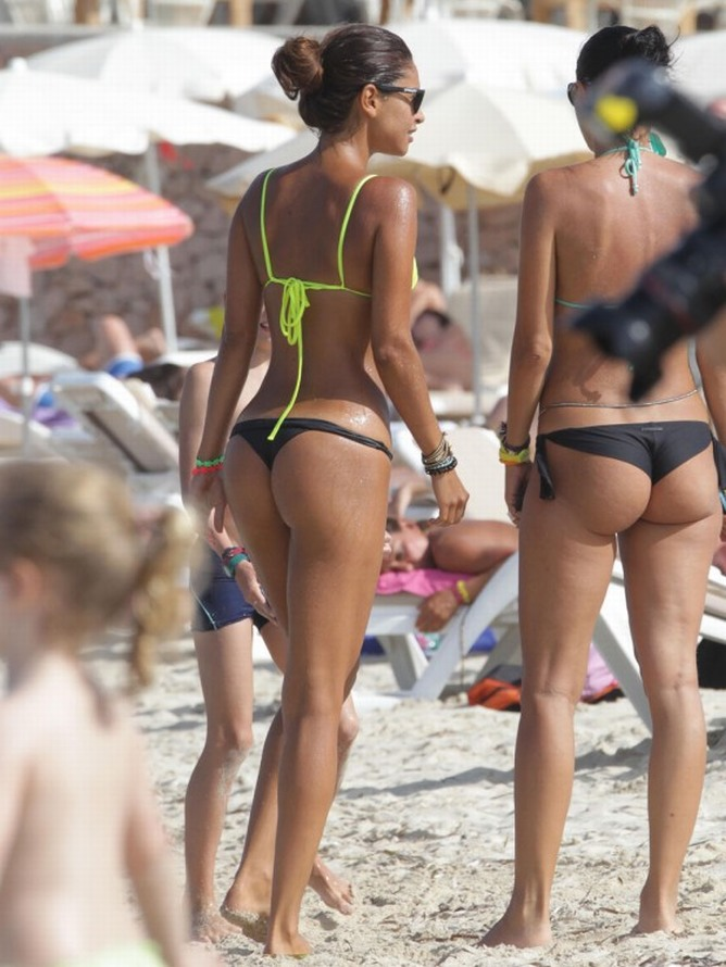 Camila-Morais-thong-Bikini-in-Spain-2